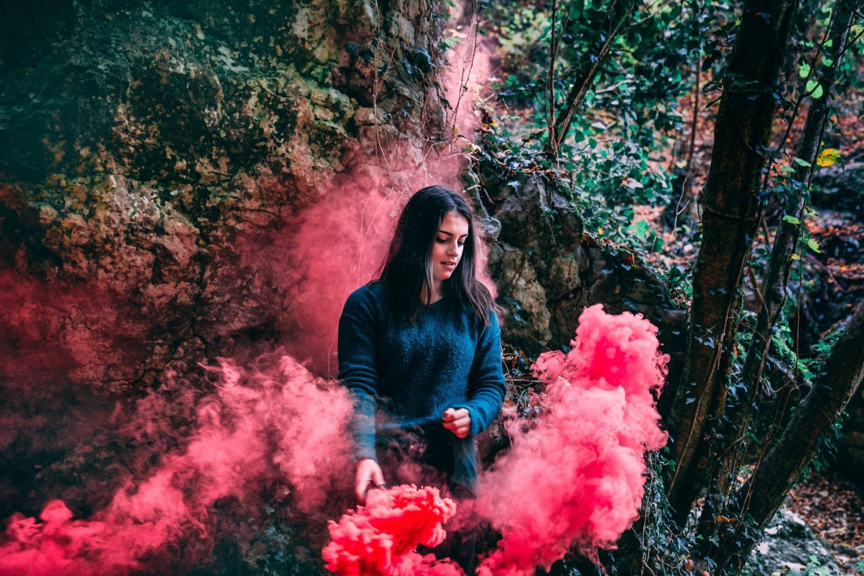 Smoke Bomb Photography You Can Master Quickly and Easily Image4