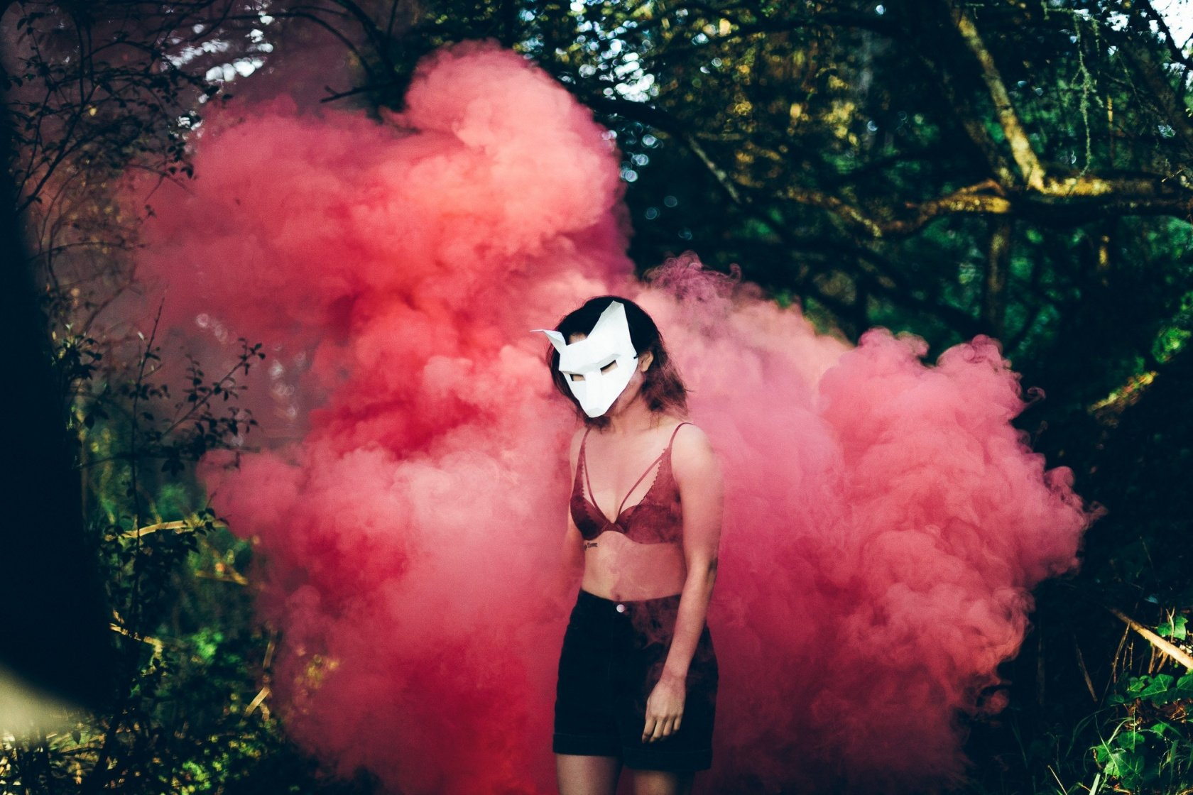 Smoke Bomb Photography You Can Master Quickly and Easily Image5