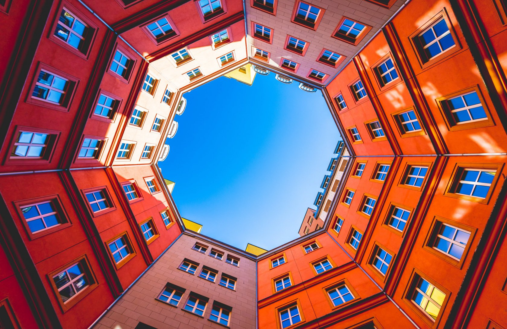 11 Ways to Work Low-angle Shots in Your Urban Photography