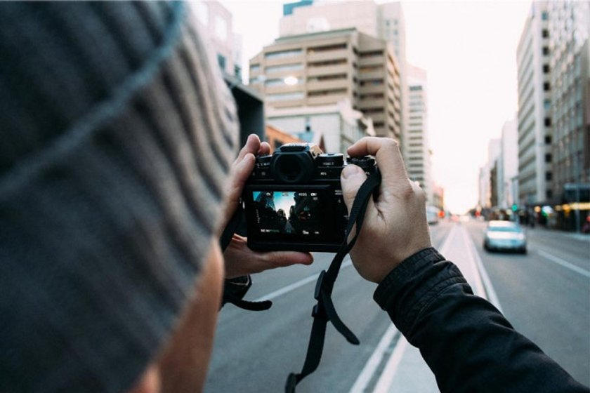 Mirrorless vs. DSLR: How to Choose the Right Camera Image2