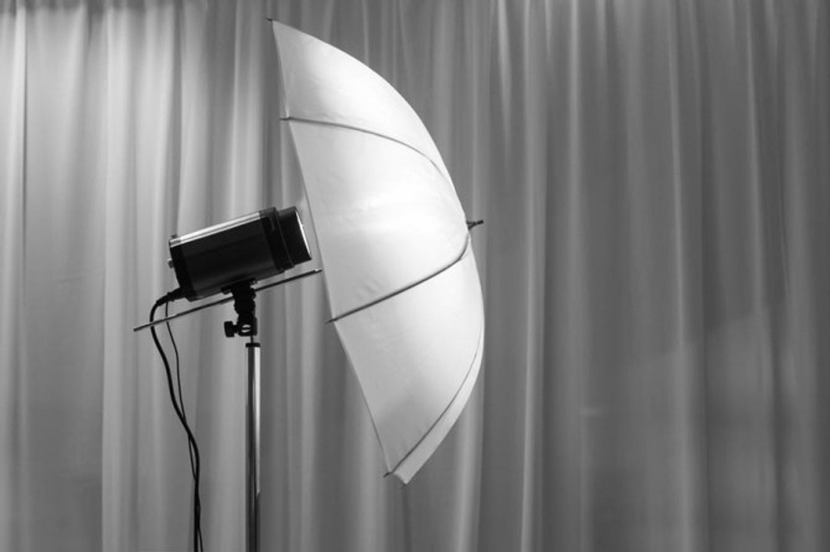 How To Use a Diffuser for Studio Photography | Skylum Blog