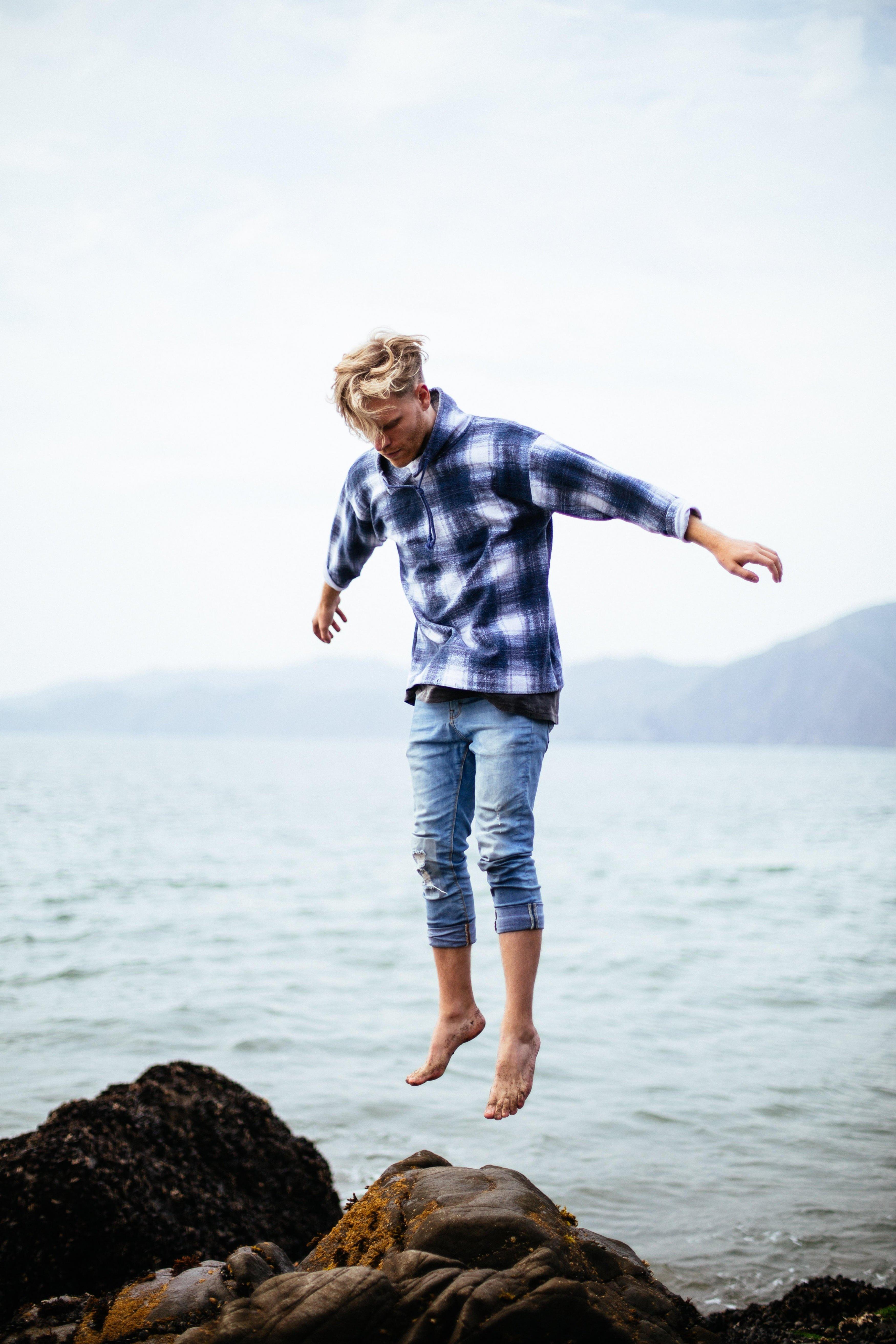 Levitation >> Levitation Photography Techniques And Tips Skylum Blog